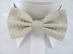 Champagne Cream Ribbed Design PreTied Bow Tie