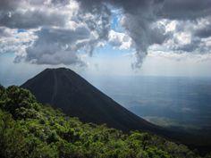 Volcán Izalco, El Salvador.