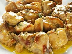 Rabbit in fricassee – Chicken Recipes Real Food Recipes, Chicken Recipes, Cooking Recipes, Healthy Recipes, Main Course Dishes, Mediterranean Dishes, Rabbit Food, International Recipes, Italian Recipes