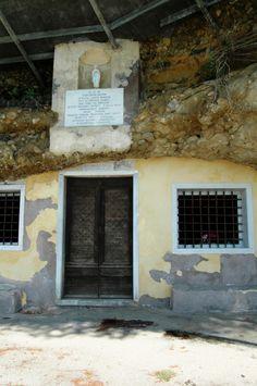 Arma di Taggia (IM),  Santuario-Grotta della SS. Annunziata