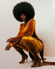 sexy thick dark melanated black curvy woman with afro African Beauty, African Women, African Fashion, Fashion Women, Fashion Pics, Korean Fashion, Style Fashion, Black Girls Rock, Black Girl Magic