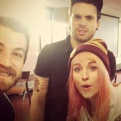 jeremy davis, taylor york & hayley willimas paramore she looks like leven rambin in this picture