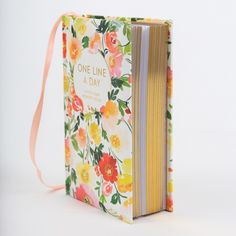 Floral One Line a Day: A Five-Year Memory Book (Blank Journal for Daily Reflections, 5 Year Diary Book) Blank Journal, Journal Covers, Best Mothers Day Gifts, Happy Mothers Day, Book Lovers Gifts, Book Gifts, 5 Year Diary, Diary Book, Blank Book