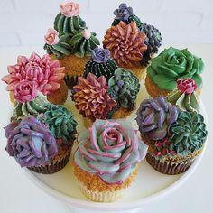 Image may contain: dessert and food Cupcake Cookies, Mini Cupcakes, Cupcakes Flores, Succulent Cupcakes, Cactus Cake, Salty Cake, Wedding Cupcakes, Savoury Cake, Cake Designs