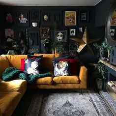 Excellent Living room goals The post Living room goals appeared first on Decor Designs . Excellent Living room goals The post Living room goals appeared first on Decor Designs . Dark Living Rooms, Living Room Goals, Living Room Paint, Home And Living, Living Room Decor, Bedroom Decor, Cozy Living, Indie Living Room, Gothic Living Rooms