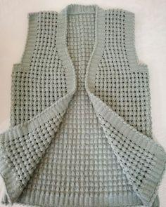 Crochet Motif, Diy Crochet, Crochet Hats, Knitting Projects, Hand Knitting, Sweaters For Women, Fashion, Vest Coat, Blouses