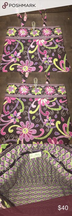 Vera Bradley medium tote Like new. Carried a short time. Perfect for an everyday bag Vera Bradley Bags Totes