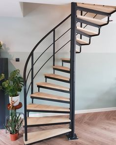 Spiral Stairs Design, Small Staircase, Staircase Design, Home Room Design, Small House Design, Interior Design Living Room, Siting Room, Contemporary Front Doors, Inside Home