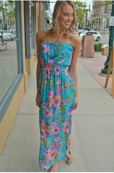 Jasmine-Blue Floral patterns are all the rage. #chelseasboutique #siouxfalls #southdakota #shop #fashion
