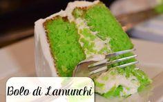 Een prachtige groene taart met heerlijk frisse smaak – dat is deze bolo di lamunchi (limoentaart). Er zit limoen in zowel de cake als de frosting, waardoor deze taart een lekker uitgesproken …