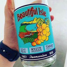 Beautiful Isle 2016 White Delicious - Tasmania • Travelling Corkscrew  #tasmania #wine Curry Night, Wine Tasting Notes, Apple Crates, Pinot Gris, Sauvignon Blanc, Arizona Tea, Shades Of Yellow, Tasmania, Drinking Tea