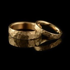 Created using a specially adapted hammer, this finish is slightly different on every ring. The deep texture is hard wearing and long lasting  #weddingrings #marraige #roegold #forher #forhim #foranyone