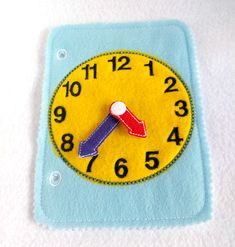 Learn to tell time toddler quiet book page or felt busy book Diy Busy Books, Diy Quiet Books, Baby Quiet Book, Felt Quiet Books, Learn To Tell Time, Sensory Book, Quiet Book Patterns, Toddler Books, Learning Colors