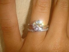 Simple but so gorgeous engagement ring and wedding band. Yes plz.!