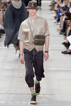 El espíritu viajero de Kim Jones nos lleva de nueva cuenta a una magistral colección para Louis Vuitton