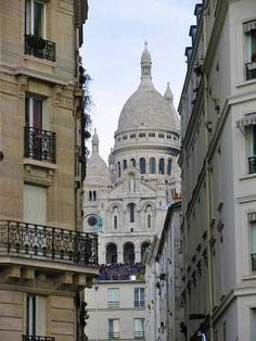 This is one of my favourite holy places: The Sacre Cour in Paris