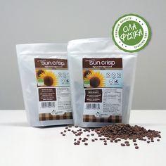 "Sukrin Sun Crisp Cocoa -125gr. Τα SunCrisp Cocoa της Sukrin, μοιάζουν με δημητριακά πρωινού, αλλά στην πραγματικότητα οι υδατάνθρακες που περιέχει μια μερίδα είναι ελάχιστοι! Είναι μικρές ""κριτσανιστές"" μπίλιες, με ήπια γεύση σοκολάτας.  Είναι φτιαγμένα από 75% βιολογικό αλεύρι ηλίανθου (μειωμένου λίπους), 20% βιολογικό αλεύρι ρυζιού, βιολογικό κακάο και θαλασσινό αλάτι.  Δεν περιέχουν ζάχαρη και γλουτένη! Cocoa, Crisp, Coffee, Drinks, Kaffee, Drinking, Beverages, Cup Of Coffee, Drink"