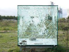 Sarah van Sonsbeeck, One Cubic Meter of Broken Silence (2009). Met dank aan Fonds BKVB, courtesy privé collectie. © Sarah van Sonsbeeck
