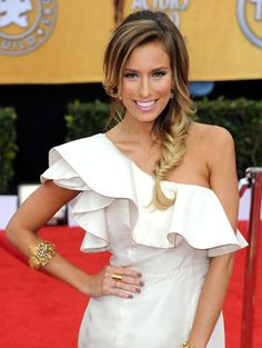 renee bargh from extra..always bring this picture when i go lighter. love her color!