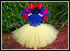 SNOW WHITE Inspired Crocheted Tutu Dress and Red Satin Bow Headband.