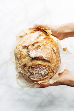 All Things Savory Miracle No Knead Bread! this is SO UNBELIEVABLY GOOD and ridiculously easy to make. crusty outside, soft and chewy inside - perfect for dunking in soups! No Knead Bread, Stale Bread, Instant Yeast, Instant Pot, How To Make Bread, Bread Baking, Baking Recipes, Keto Recipes, Artisan Bread Recipes