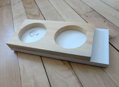 Small feeder for cats or small dogs Natural pine // white