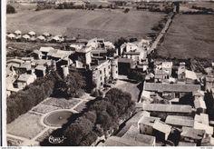Frankreich - CPSM OPME près ROMAGNAT 63 Vue aérienne du vieux Château