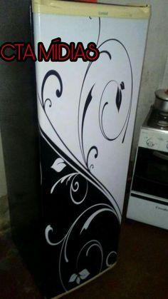Envelopamento personalizado em geladeira palito!