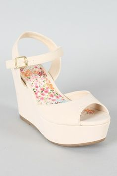 ONLY $27.30 so cute for summer.