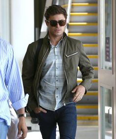 Zac Efron arriving at LAX after attending TIFF ~ September 7, 2013