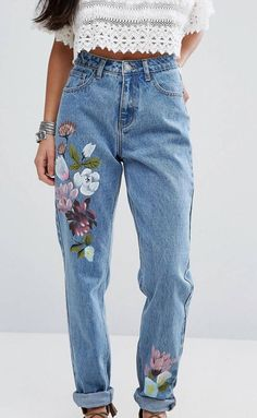 Painted Jeans, Painted Clothes, Boho Fashion, Fashion Outfits, Diy Vetement, Thrift Fashion, Schneider, Diy Clothing, Minimal Fashion