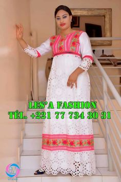Long African Dresses, African Lace Styles, African Fashion Dresses, African Inspired Fashion, African Print Fashion, Africa Fashion, African Traditional Dresses, Traditional Outfits, African Attire