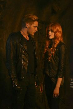 Clary Et Jace, Clary Fray, Shadowhunters Series, Shadowhunters The Mortal Instruments, Clary And Sebastian, Jace Lightwood, Dominic Sherwood, Cassandra Clare Books, The Descent