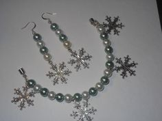 'Let it Snow Bracelet & Earring Set' is going up for auction at  7pm Sat, Nov 10 with a starting bid of $5.