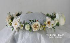 hk0178 アイボリー〜白の花冠 アーティフィシャルフラワー @伊勢山ヒルズ ys floral deco