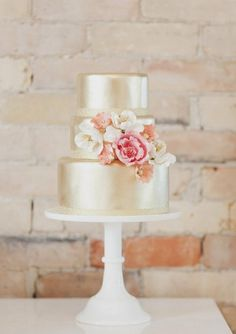 Shimmery AND sweet. Just like a garden wedding out of The Great Gatsby.