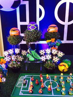 Que amor esta Festa Futebol!!Muitas fofuras nesta decoração.Imagens Maria…