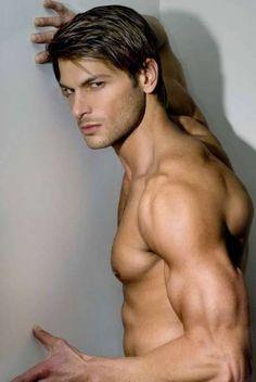 mancrushoftheday:  Paul Marron#muscle #abs #malemodelVisitThe Man Crush Blog Twitter Facebook Google+
