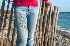 customisation d'un jeans avec la broderie traditionnelle