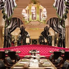 Society Cafe @ Encore Hotel, Las Vegas. I love the decor in this restaurant. (And the food is pretty amazing too)