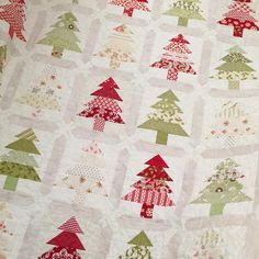 """364 Likes, 34 Comments - Margot Languedoc (@thepatternbasket) on Instagram: """"My Tree Farm quilt is finished! I think the cream sashing with white backgrounds gives it a vintage…"""""""