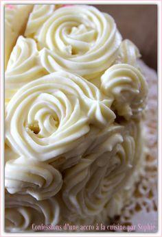 glacage cream cheese : 60g beurre + 250 g cream cheese + 150 g sucre glace (+ vanille, grenadine, confiture,...)