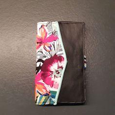 atelier_ophea Portefeuille multifonction : cartes, chequier, monnaie, papier,... #portefeuille #sacotinaddict #sacotin #sacotincomplice # #faitmain #coutureaddict #couture #ideecadeau #cadeauoriginal #fetedesmeres