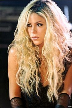 Shakira is the queen of blonde.