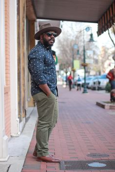 Navy sail boat print button down green chinos fedora brown boots Big Mens Summer Fashion, Mens Plus Size Fashion, Chubby Men Fashion, Big Men Fashion, Big And Tall Style, Big And Tall Outfits, Plus Size Men, Business Casual Outfits, Print Button