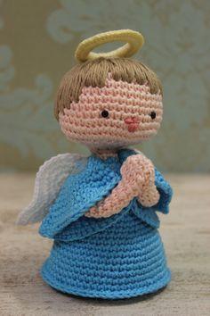 Anjo!... #elacamarena #fiospingouin #hatawata  #adorocrochet #adoroballoon #pingouin #amigurumi  #colecaoelacamarena #fiobella #euvivodaminhapaixao #aulasdaela #presente #vejameusite #artesanatoeponto #colunadaela