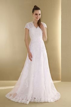 lace short sleeves wedding dress with applique