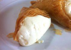 Phyllo Triangle Pastries with Custard (Trigona Panoramatos)