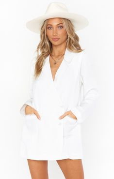 White Bridal Dresses, Little White Dresses, How Many Bridesmaids, Best Bride, Girls Together, Bridal Robes, Rompers, Blazer, Clothes