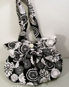 Womens PurseBlack White Bow PurseOOAKMade in by Barb70CraftShop, $38.00 #artfire #bmecountdown